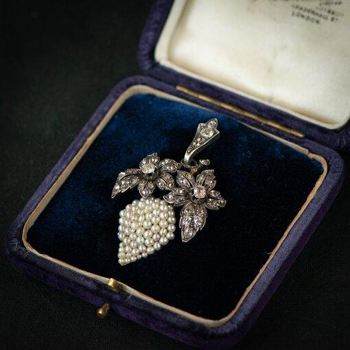 Victorian Grapes Motif Diamond & Seed Pearl Pendant