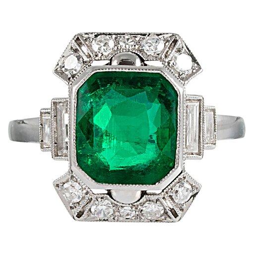 Art Deco 2.50 Carat Emerald & Diamond Ring